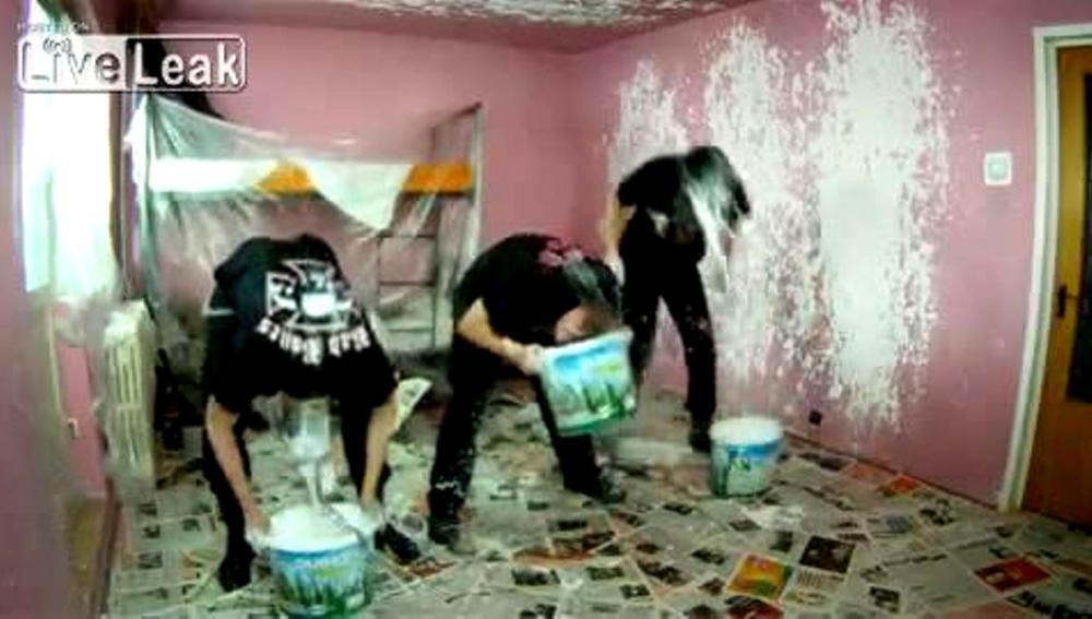 ¿Cómo pinta un heavy su casa?
