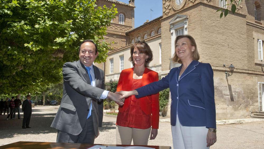 Los presidentes de las tres comunidades Sanz, Barcina y Rudi