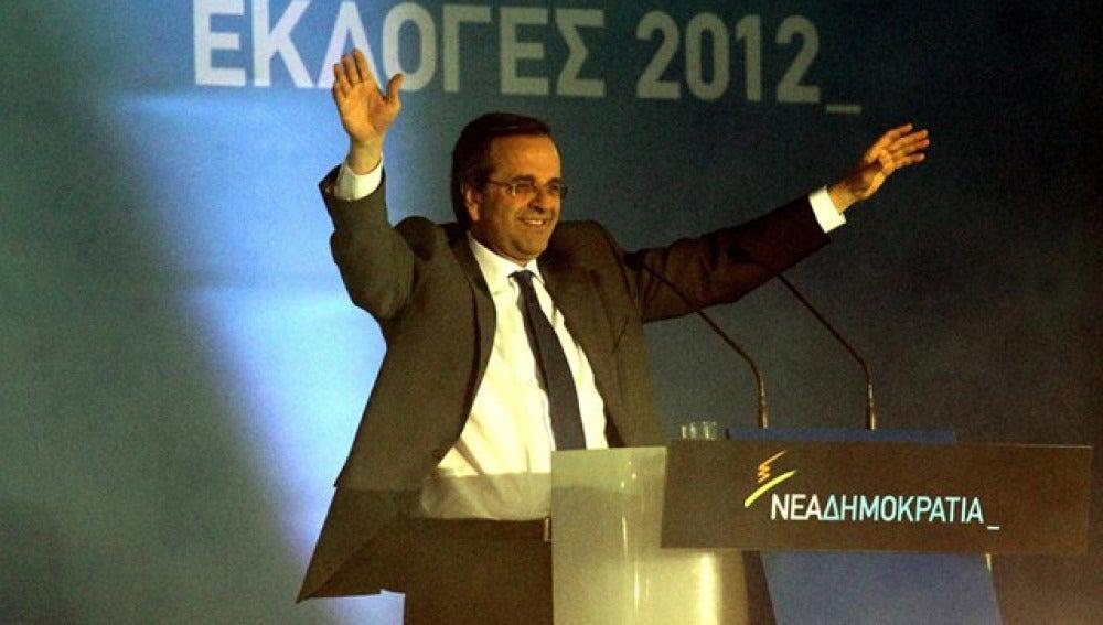 El líder del partido conservador Nueva Democracia (ND), Antonis Samaras, en el cierre de campaña
