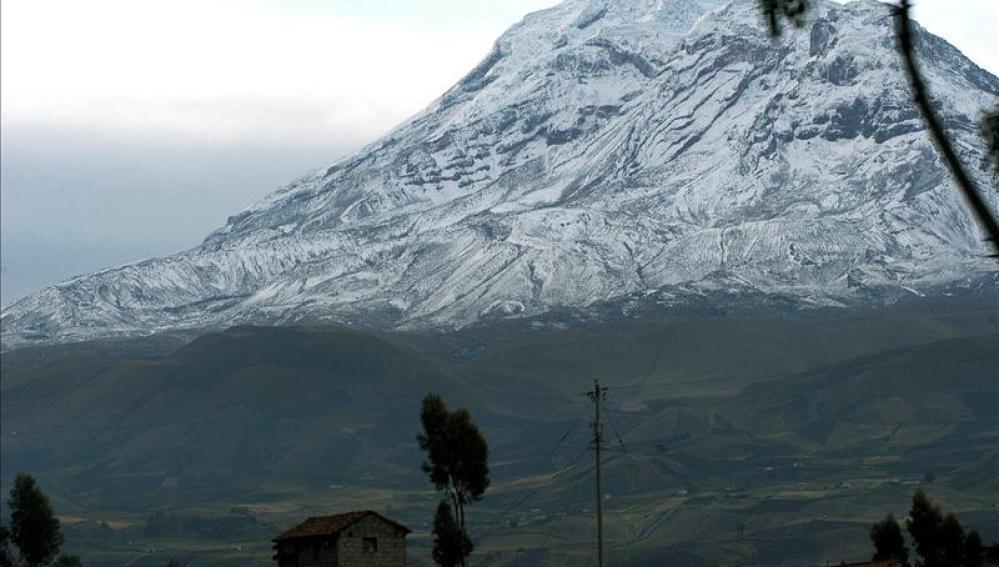 El volcán Chimborazo, de 6.210 metros de altura