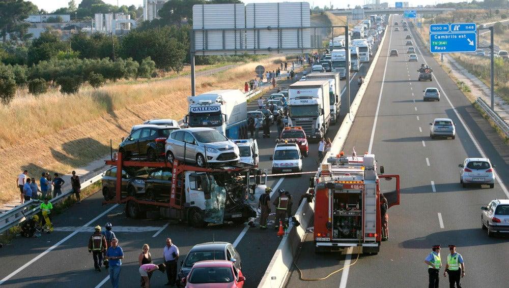 Accidente de un camión en Vila-Seca