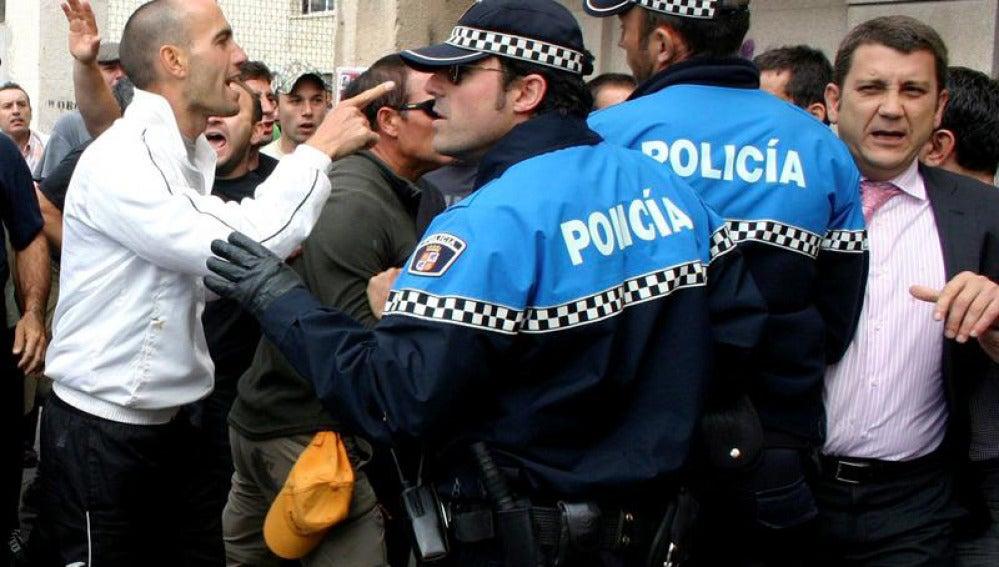La policía protege al alcalde de Ponferrada