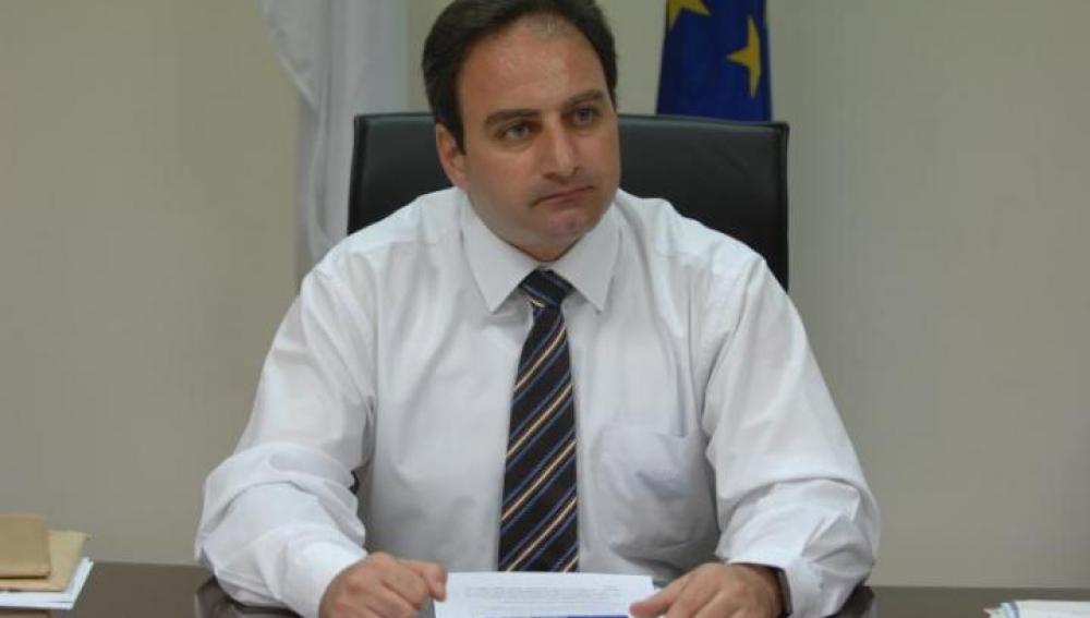 el portavoz del gobierno chipriota, Stefanos Stefanou