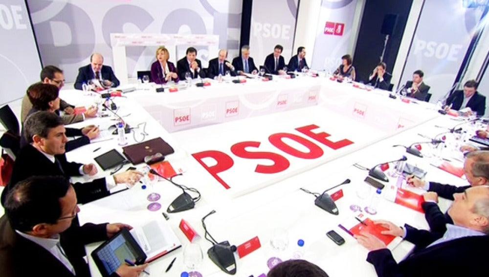 Mesa de debate en el PSOE