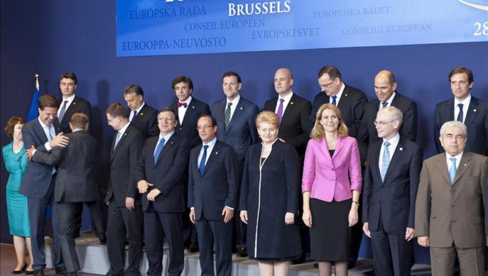 La UE aprueba el plan por el crecimiento y el empleo por 120.000 millones