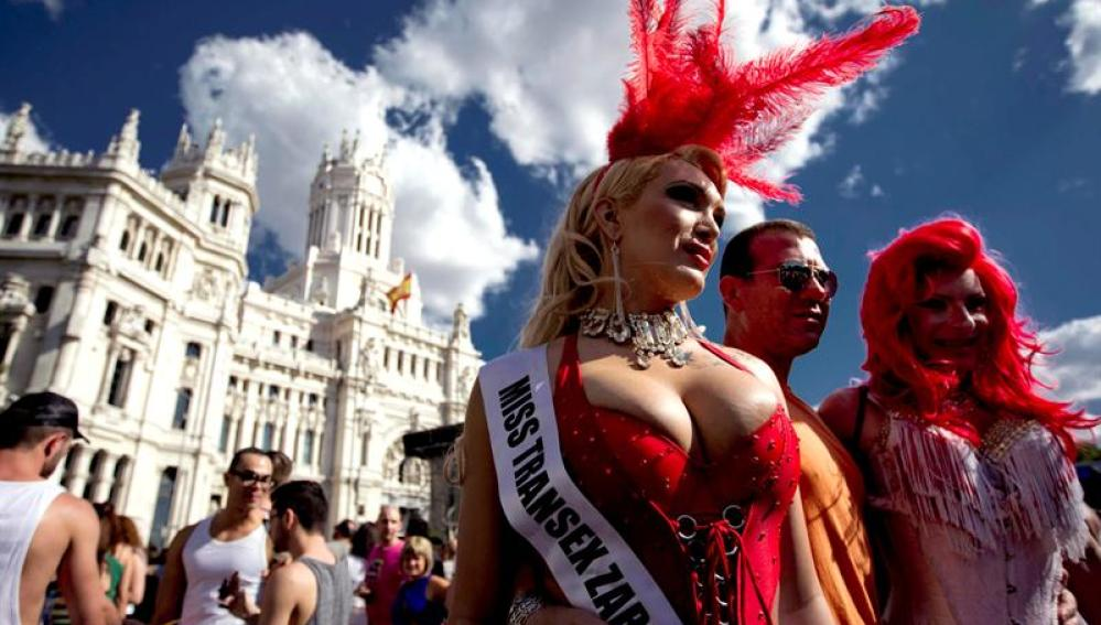 Transexuales en la Plaza de Cibeles