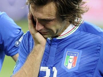 Pirlo llora tras perder ante España