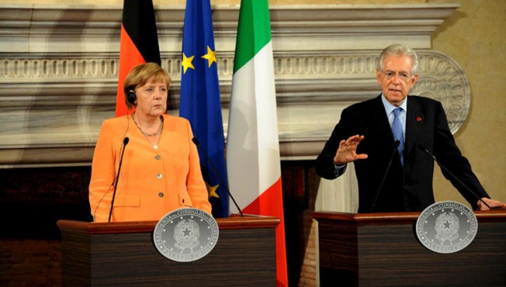 Merkel y Monti, en la rueda de prensa