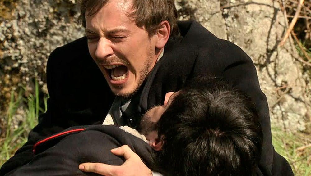 Emilio Roca muere en brazos de Pablo