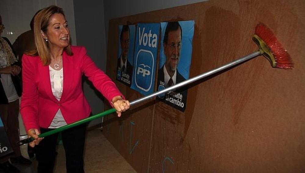 Pega de carteles en las elecciones 2011