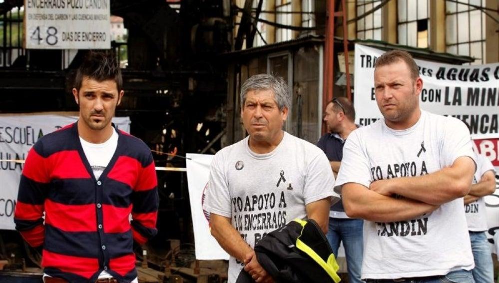 David Villa con los mineros en Langreo