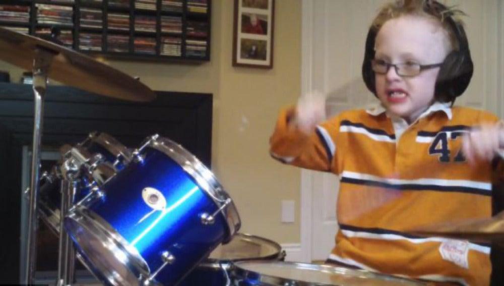 Toca la batería como un profesional con 7 años