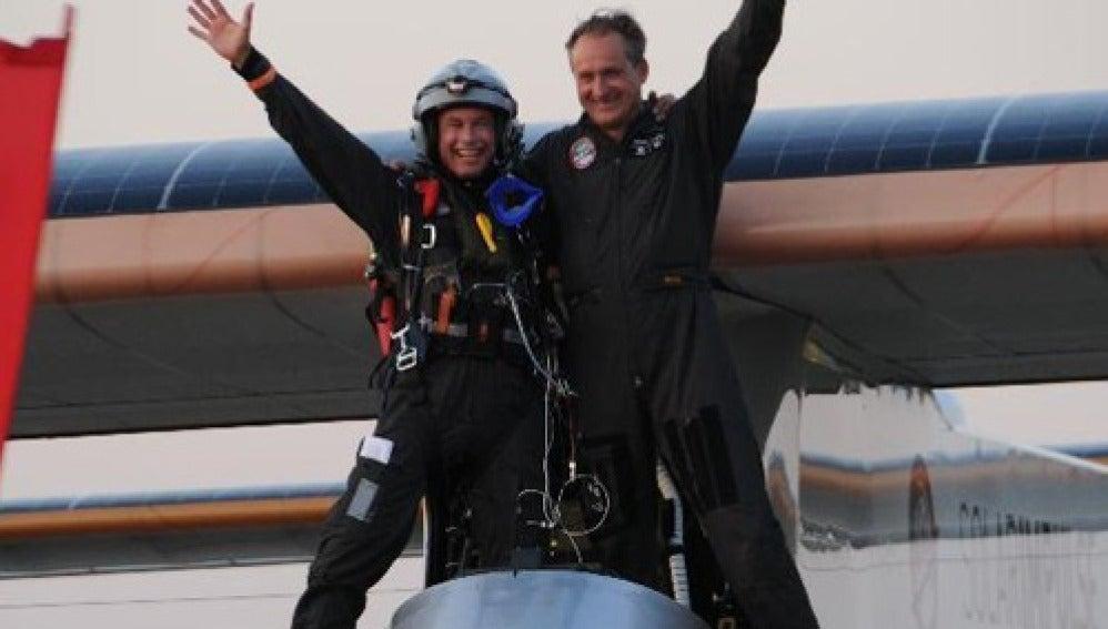 Los pilotos del Solar Impulse llegan a Suiza