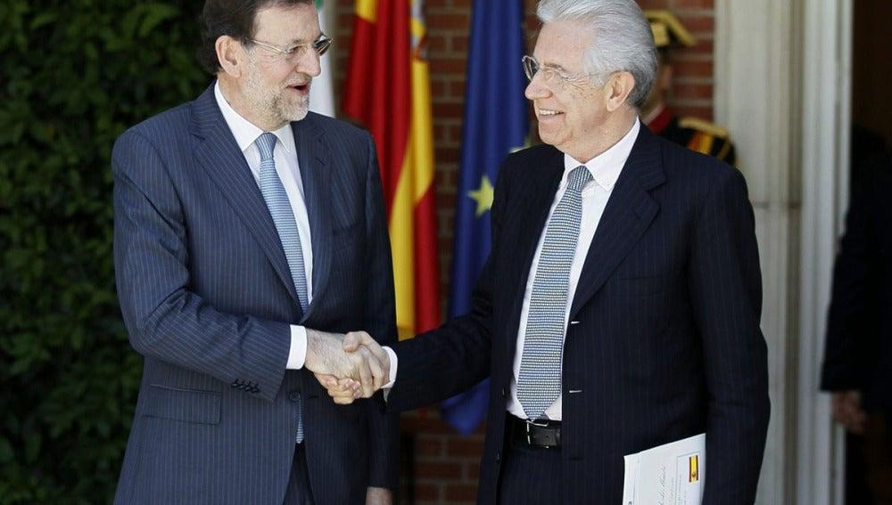 Rajoy, junto a Monti en Moncloa