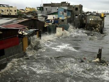 El tifón 'Saola' arrasa Filipinas