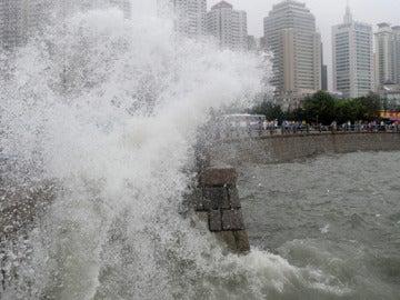 Los tifones arrasan la costa de China