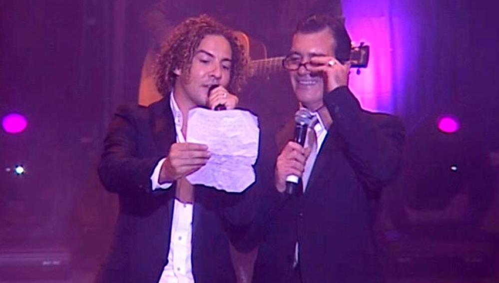 David Bisbal y Antonio Banderas sobre el escenario