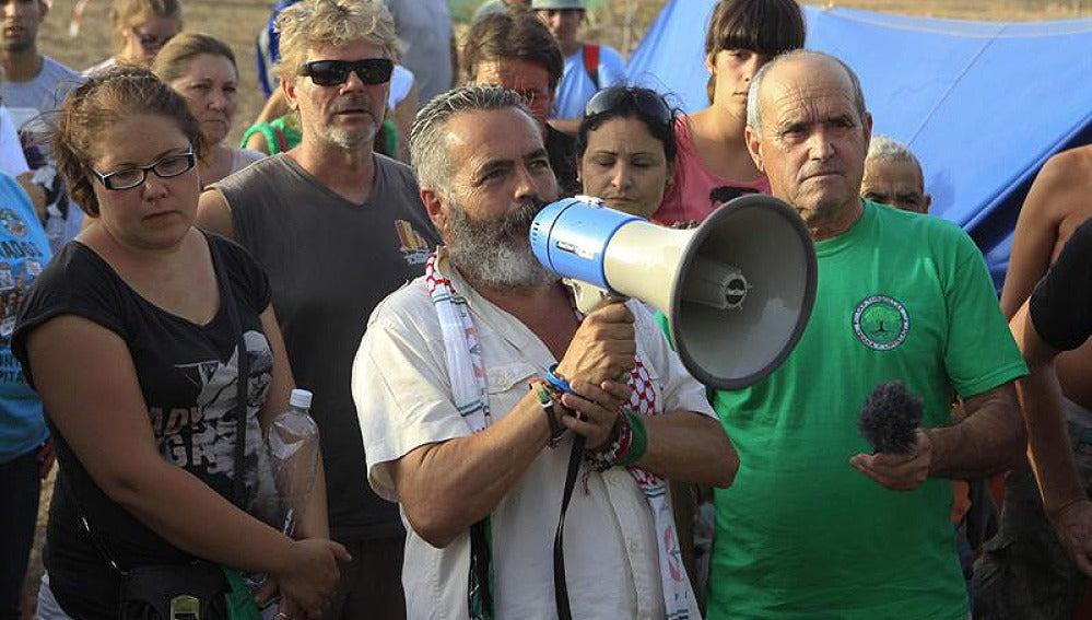 Sánchez Gordillo se dirige a los jornaleros en Sevilla