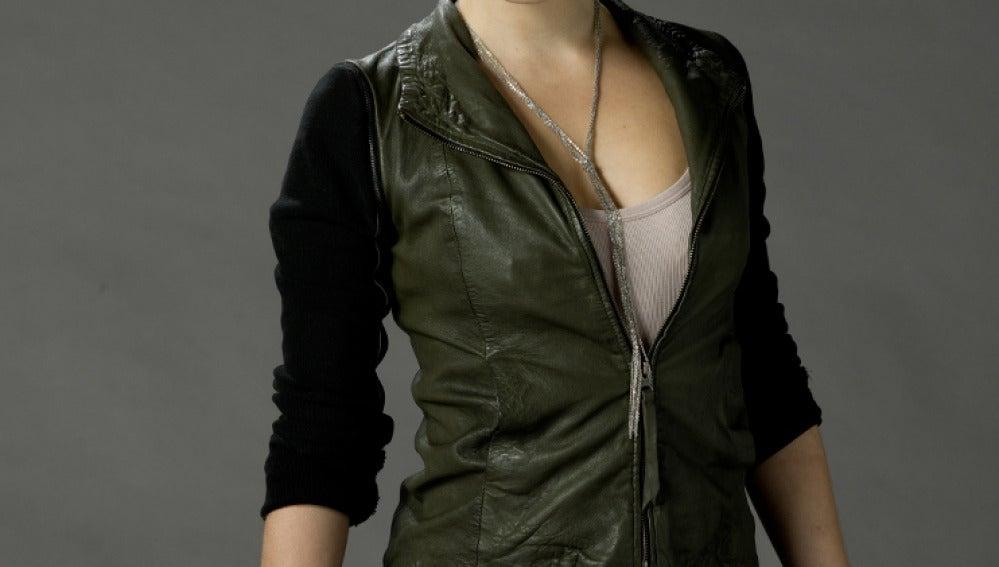 La actriz australiana Phoebe Tonkin