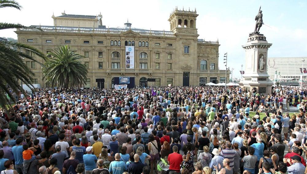 Miles de personas exigen en San Sebastián la liberación de Uribetxebarria