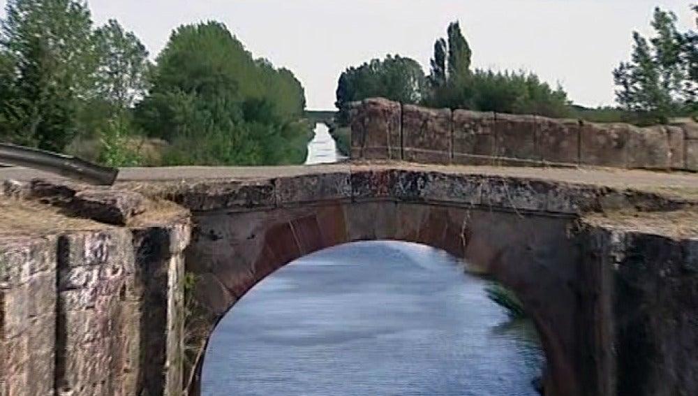 Puente del Canal de Castilla