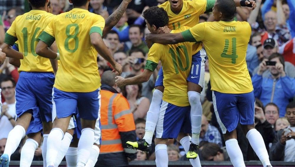 La selección de futbol de Brasil se medirá en un amistoso a la de Suecia