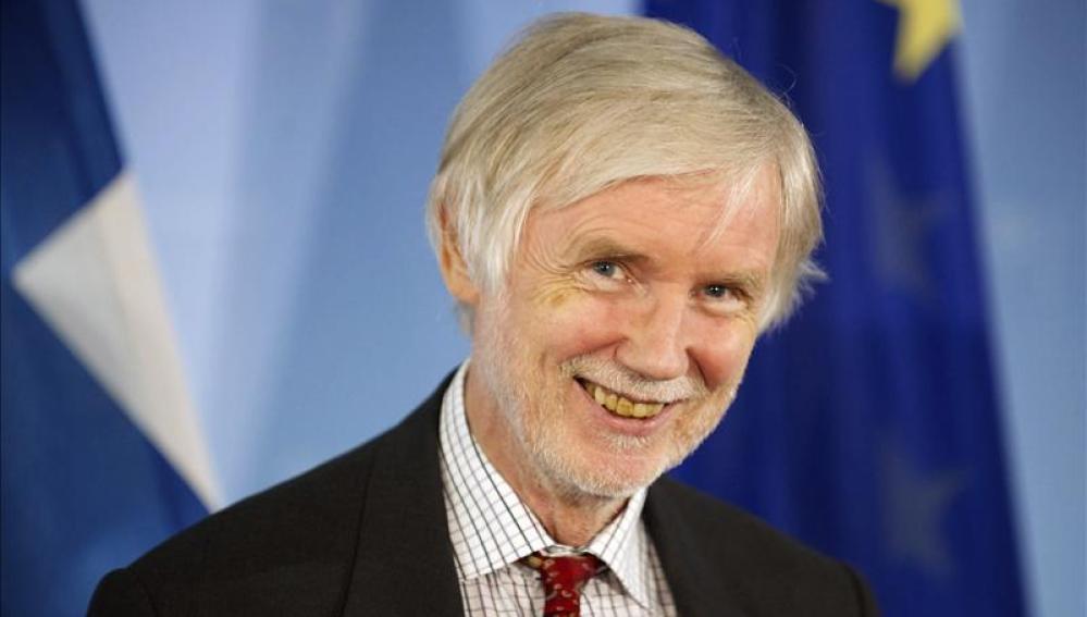 El ministro de Asuntos Exteriores de Finlandia, Erkki Tuomioja