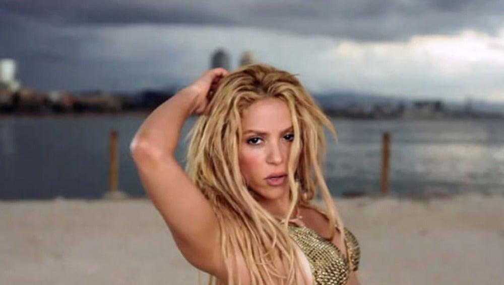 Shakira en el videoclip de 'Loca'