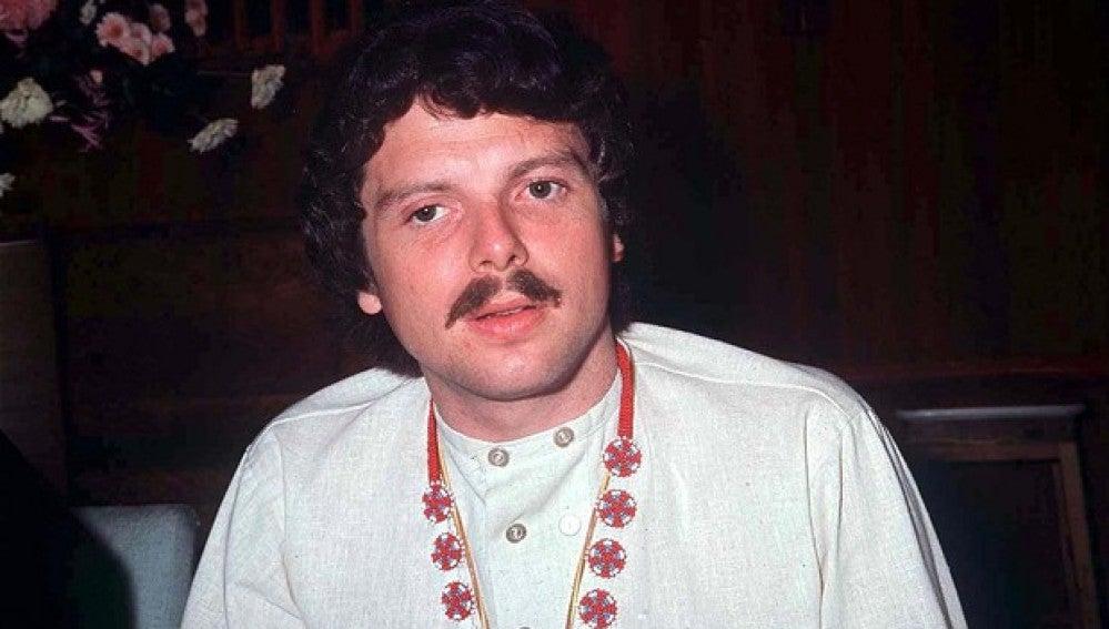 El cantante Scott McKenzie