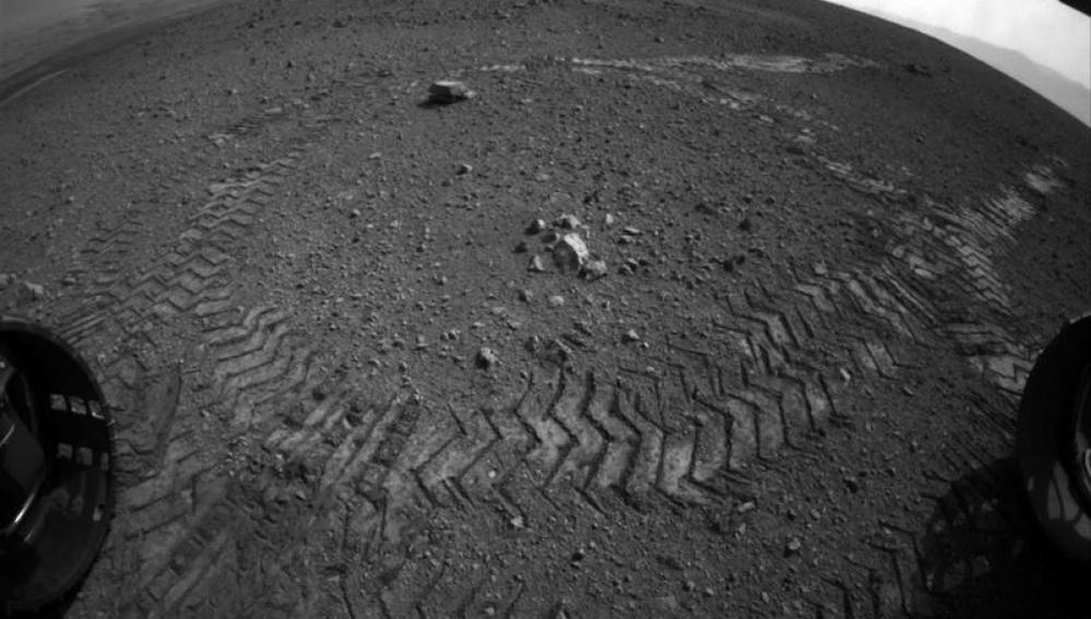 El Curiosity deja su huella en Marte