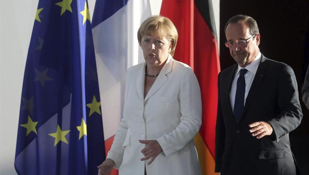Angela Merkel y François Hollande se reúnen en Berlín