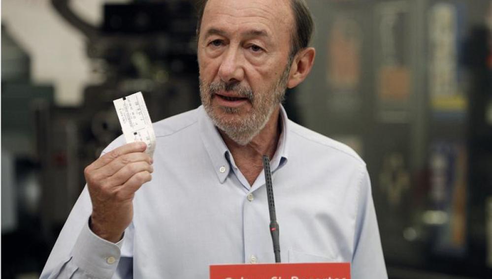 Rubalcaba plantea gravar la Lotería para no subir el IVA escolar ni cultural