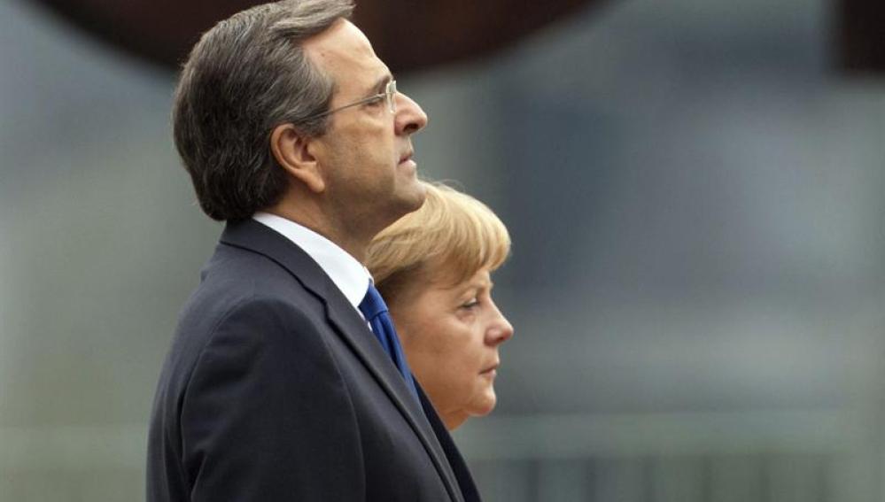 Andonis Samaras durante su visita a Angela Merkel