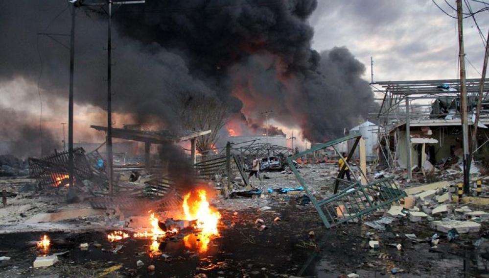 La explosión en la mayor refinería de Venezuela deja 24 muertos