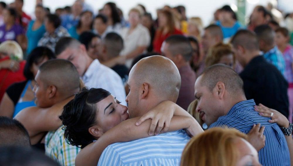 103 parejas se caan durante una boda masiva celebrada en una cárcel de Ciudad Juarez
