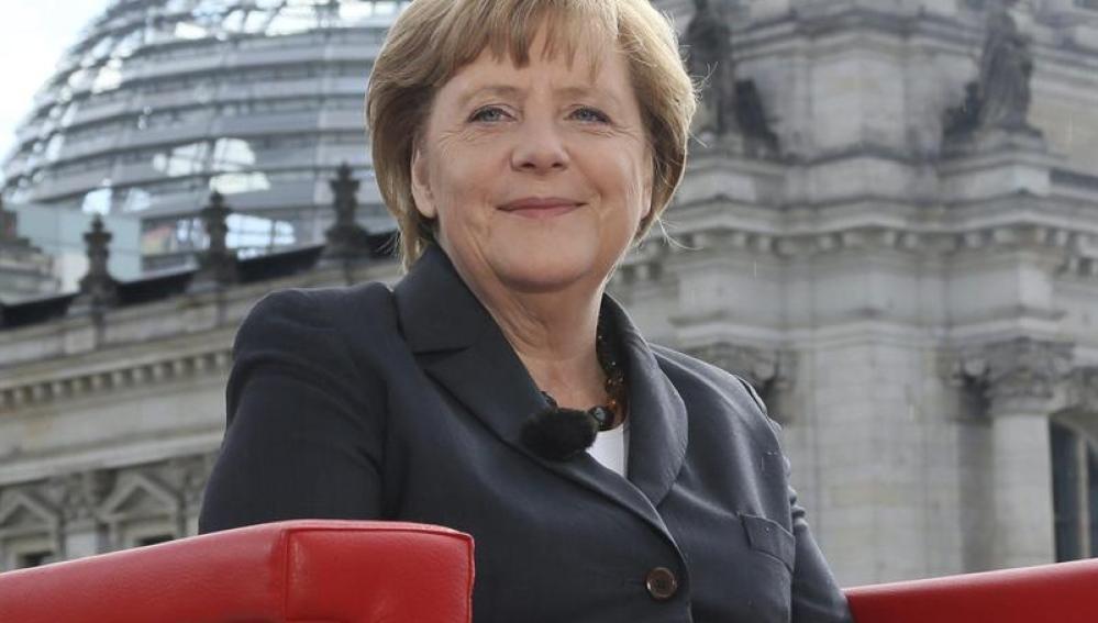 """Merkel pide a sus socios """"medir bien las palabras"""" ante la crisis del euro"""