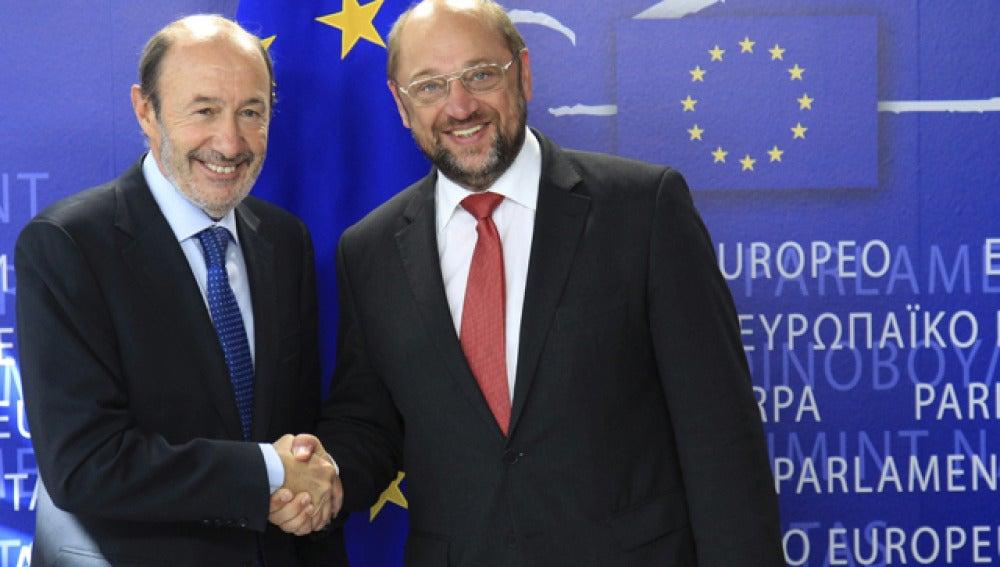 Rubalcaba con Martin Schulz, presidente del Parlamento Europeo