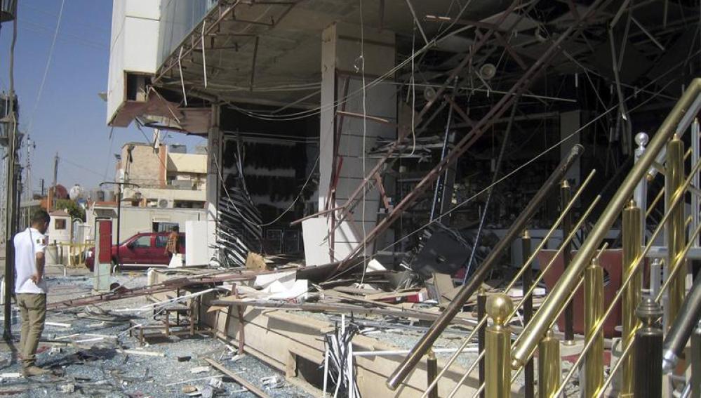 Explosión de coche bomba en el edificio de la policía en Kirkuk