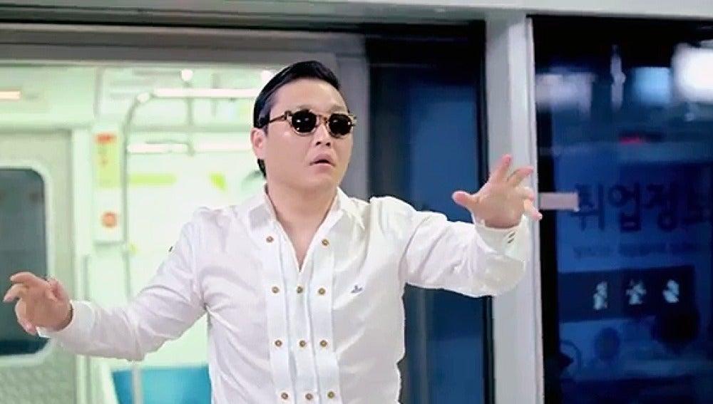 Psy en el videoclip Gangnam Style