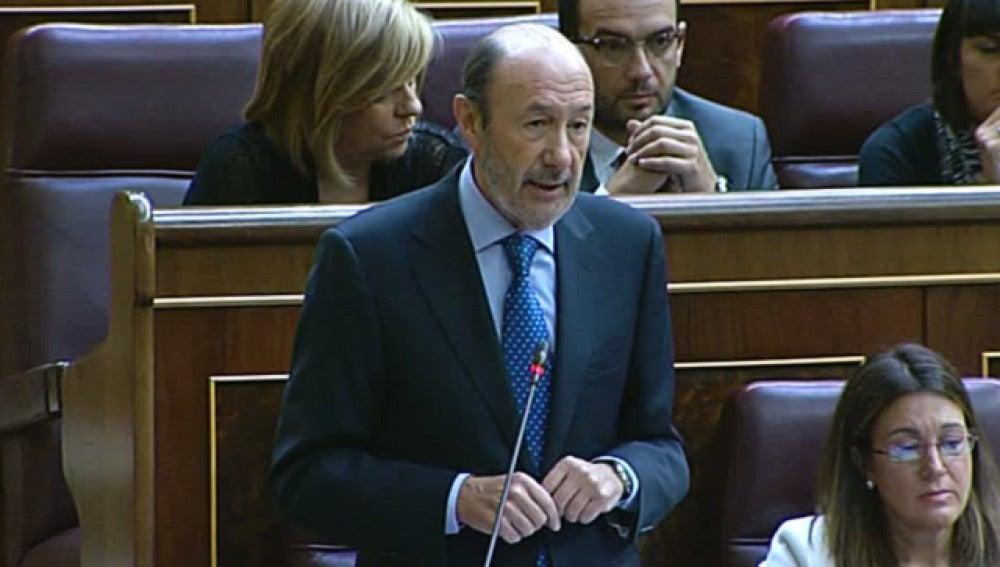 Alfredo Pérez Rubalcaba durante la sesión de control al Gobierno