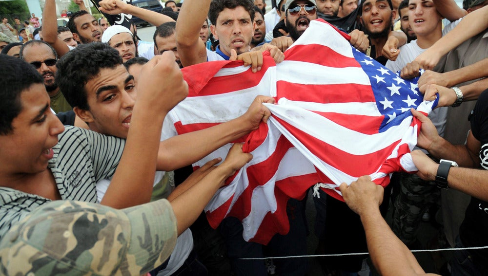 Protestas ante la embajada de EEUU en Túnez