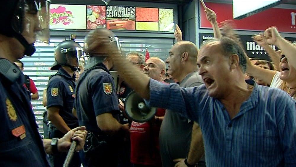Tensión durante la huelga