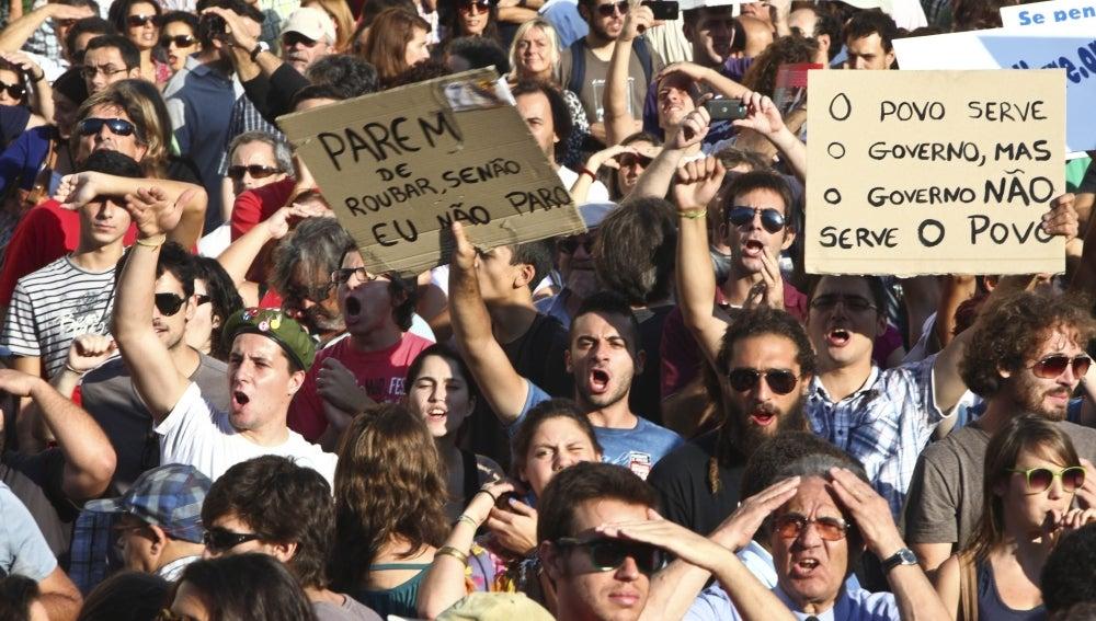 Portugal se echa a la calle contra las últimas medidas de austeridad