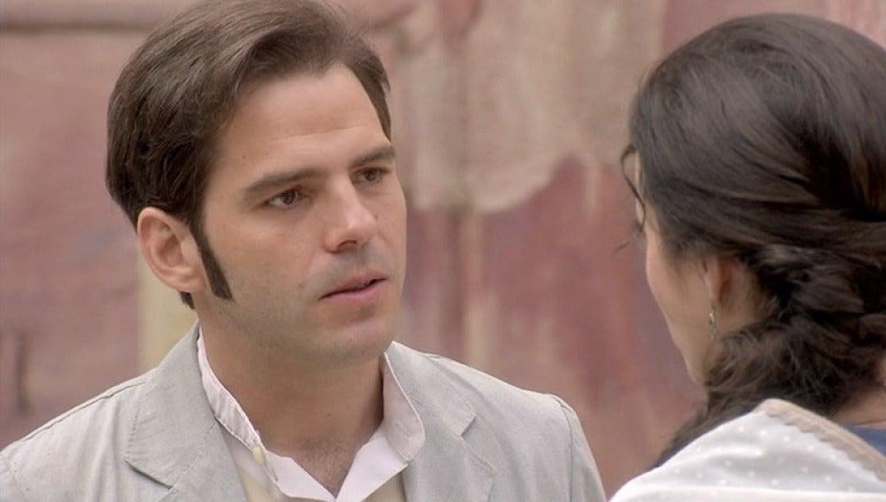 Héctor habla con Sofía de su compromiso