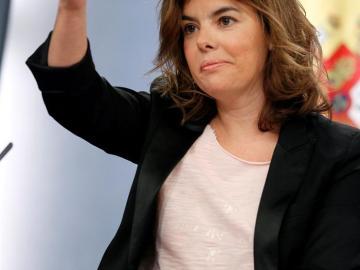 La vicepresidente advierte a Mas de que el Gobierno cumplirá la ley