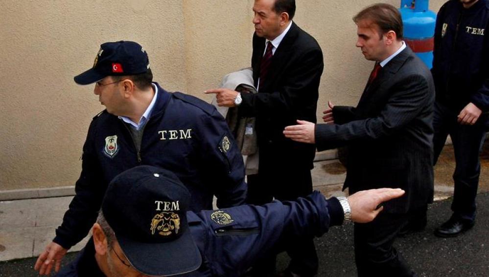 El ex comandante de las Fuerzas Navales turcas, Özden Örnek (archivo)