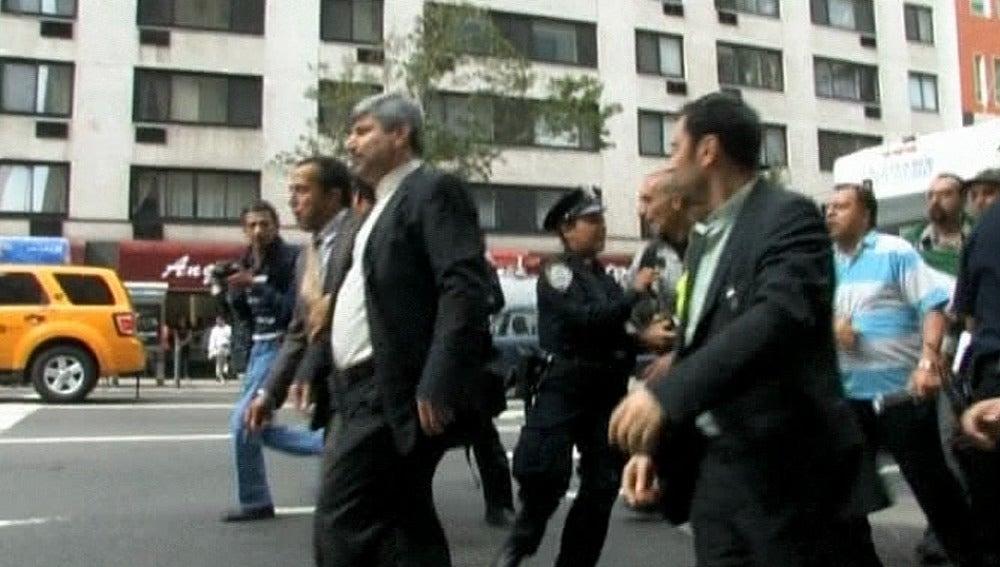 Un diplomático iraní acosado por las calles de NY