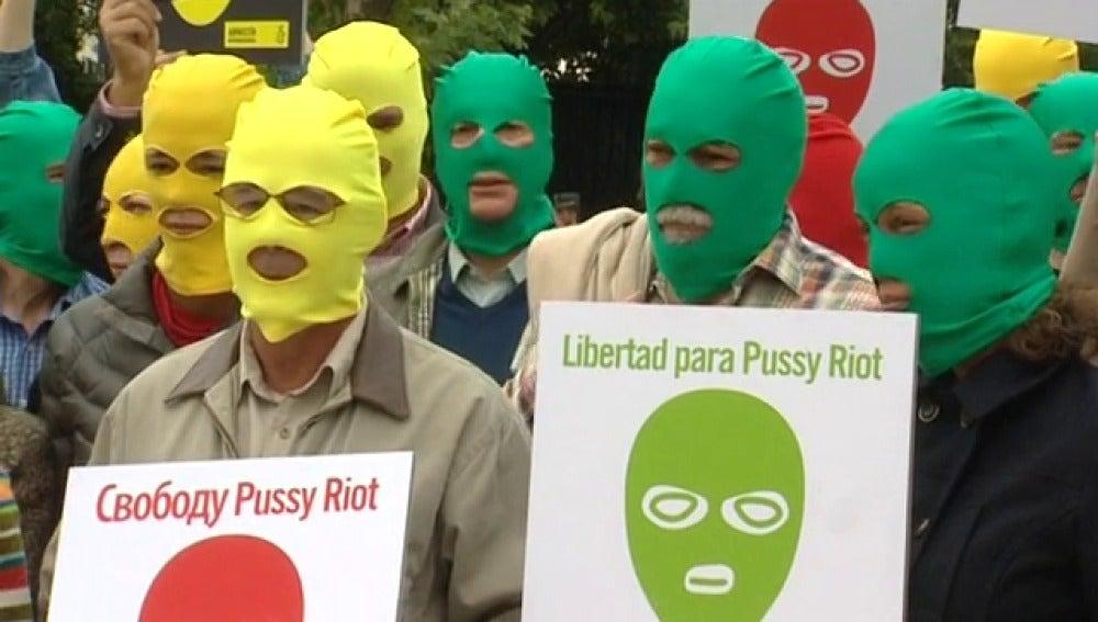 Concentración a favor de las Pussy Riot