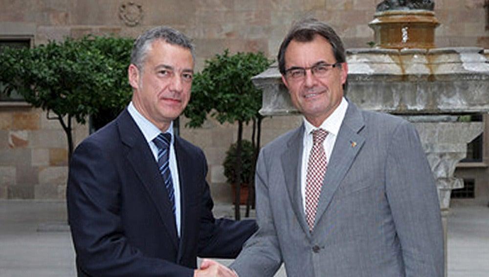 Íñigo Urkullu, junto al presidente de la Generalitat, Artur Mas