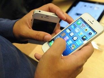 Un usuario con el iPhone 5